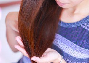 Effet couleur roux auburn du henné pour les cheveux