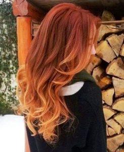 Décoloration sur cheveux colorés