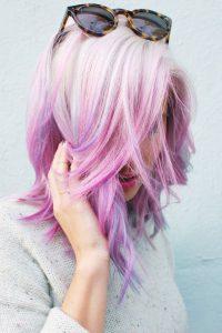 Dégradé cheveux rose et blanc