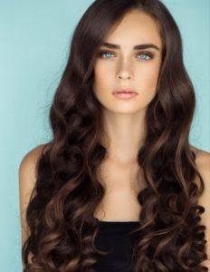 Cheveux brillants vinaigre blanc