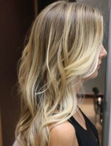 balayage blond sur châtain clair