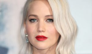 Blond platine Jennifer Lawrence