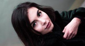 Cheveux noirs coloration naturelle