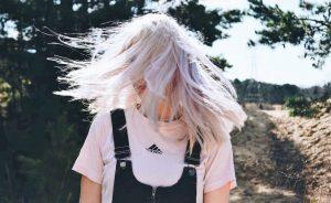 comment faire pour avoir de beaux cheveux blancs