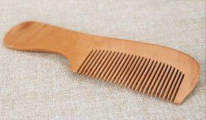 Peigne en bois cheveux