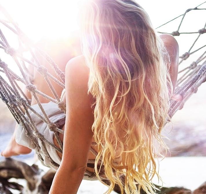 huile solaire cheveux